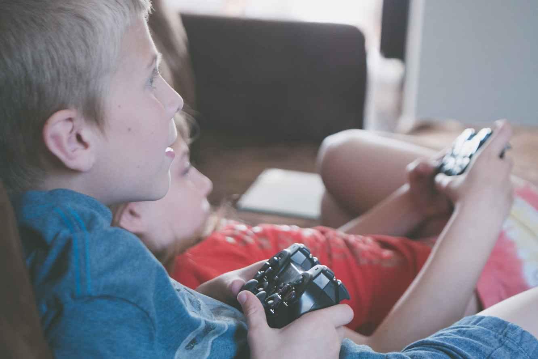 Two Kids Gaming