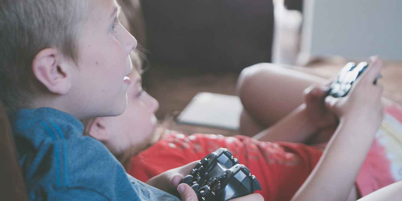 Two Kids Gaming