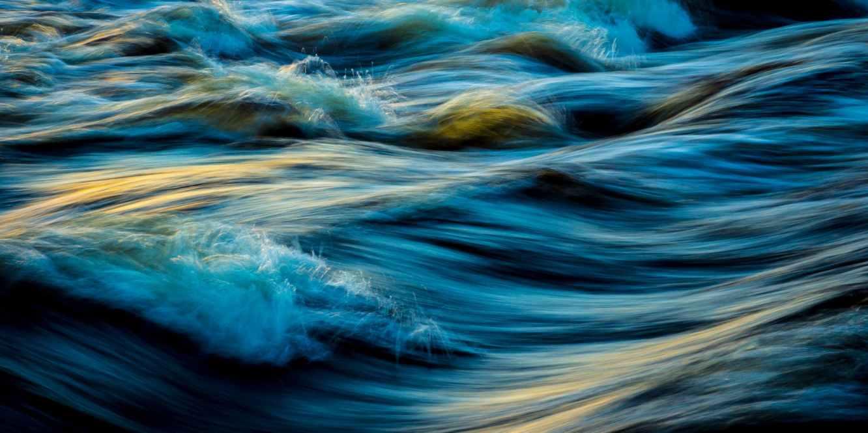 Game Flood Waves